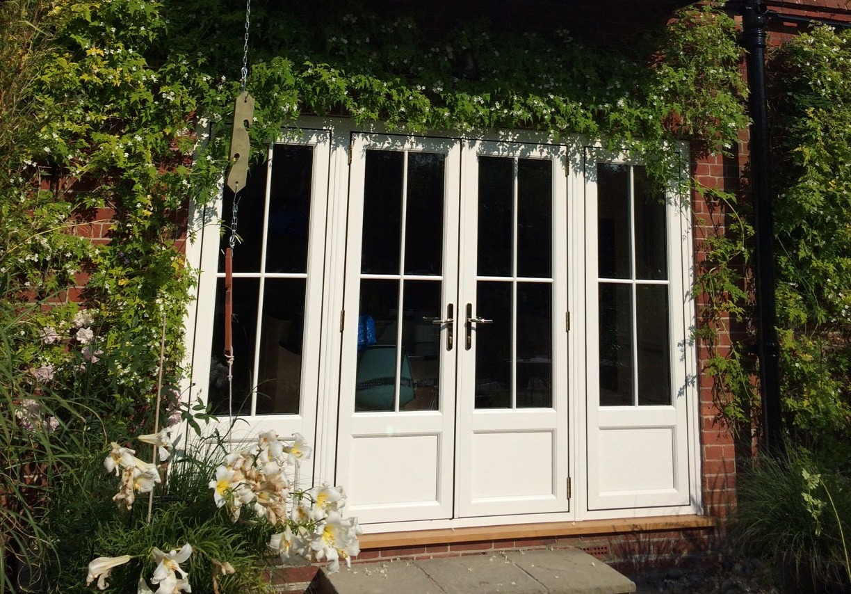 Bi fold doors patio doors or french doors which doors for Patio doors uk