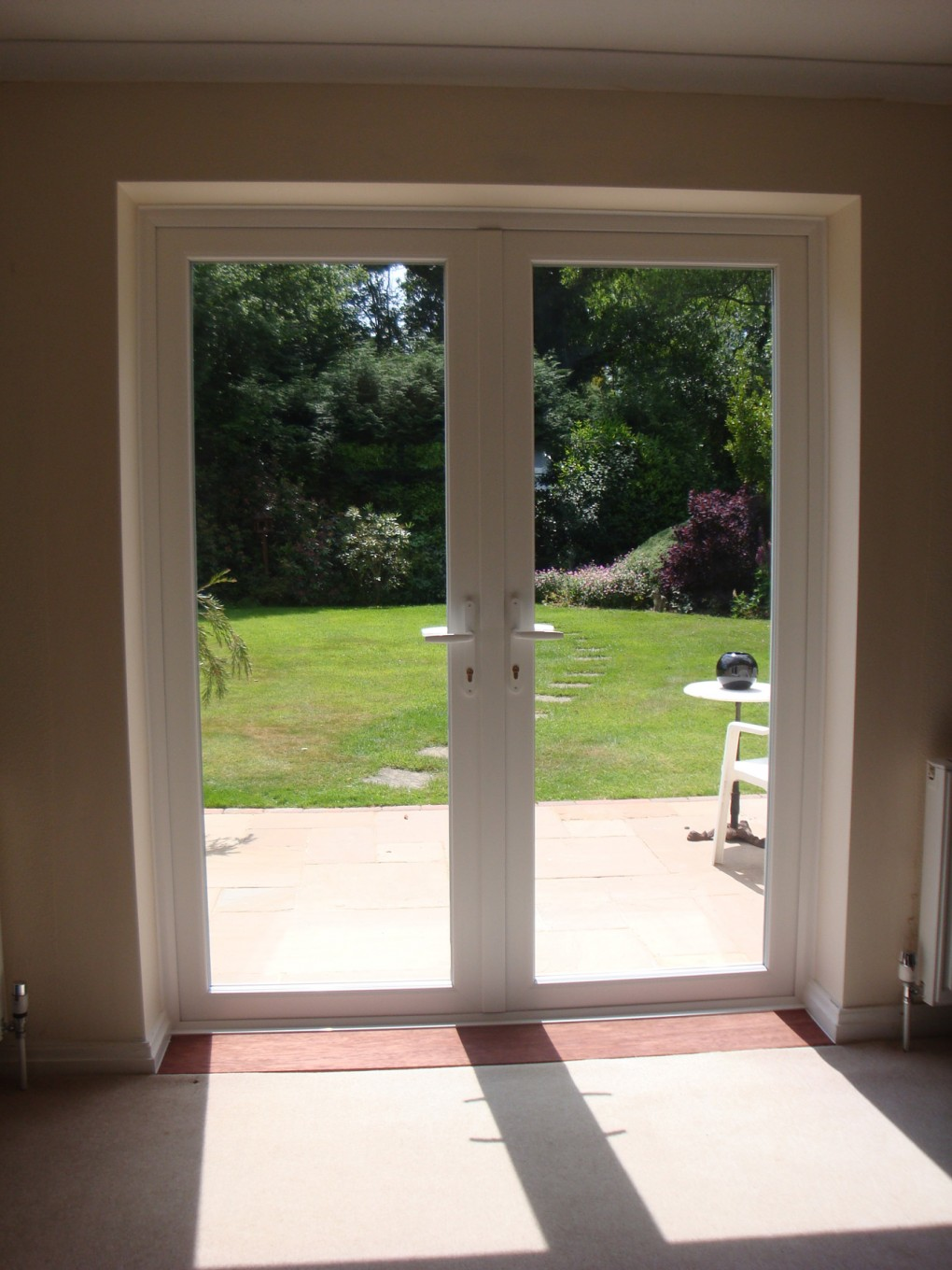 Bi fold doors patio doors or french doors which doors for Outside french doors